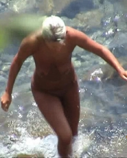 Horny blond likes to take a little dip